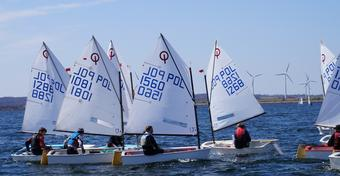 Regaty Yacht Club OPTY: Emocje na wodzie, lądzie i... w telewizji
